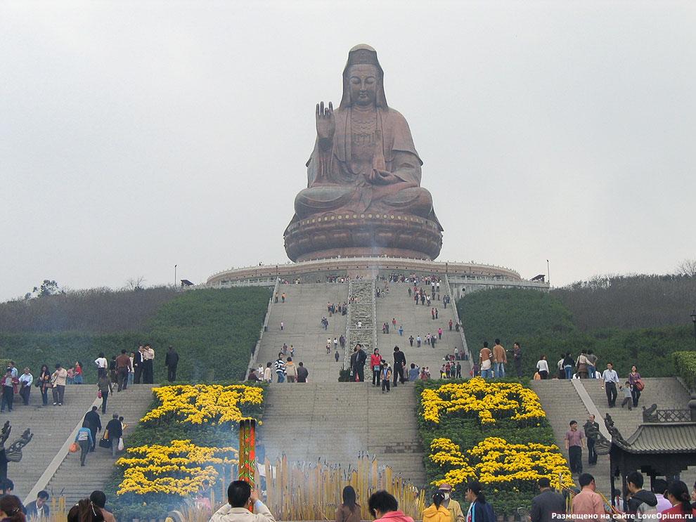 Статуя Гуаньинь в Китае