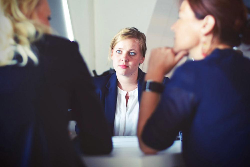Можно ли обратить критику себе во благо? Действенная формула психолога