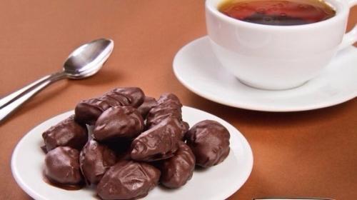 Чернослив в шоколаде.