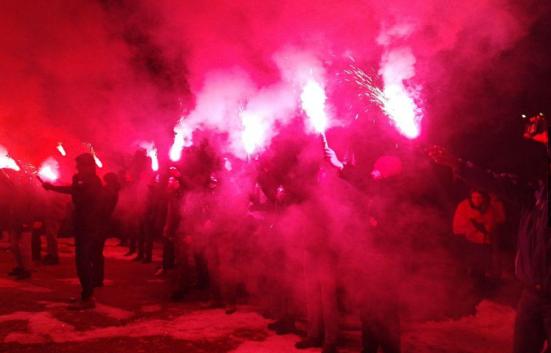 Украинские радикалы фейервер…