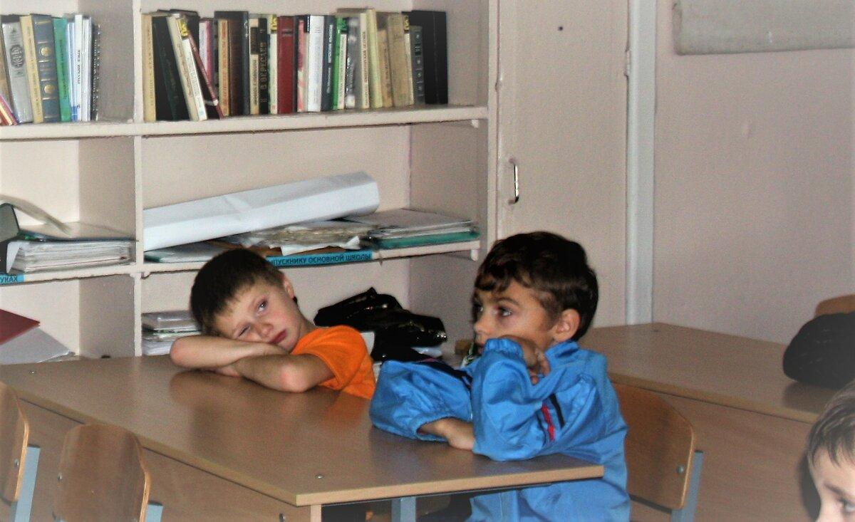 На первых порах родителям надо учить ребёнка как правильно заниматься