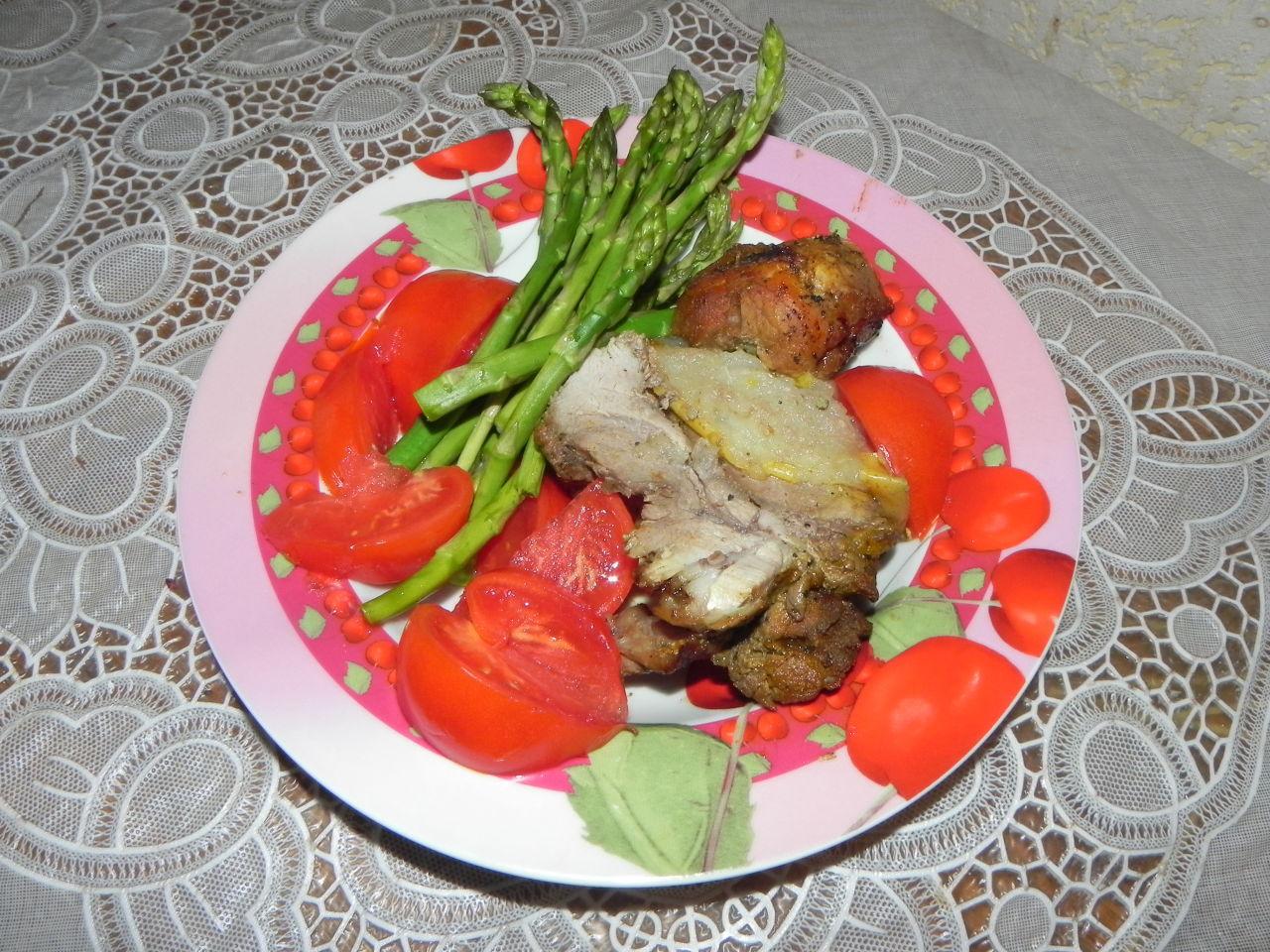 Свинина, запеченная с грушей