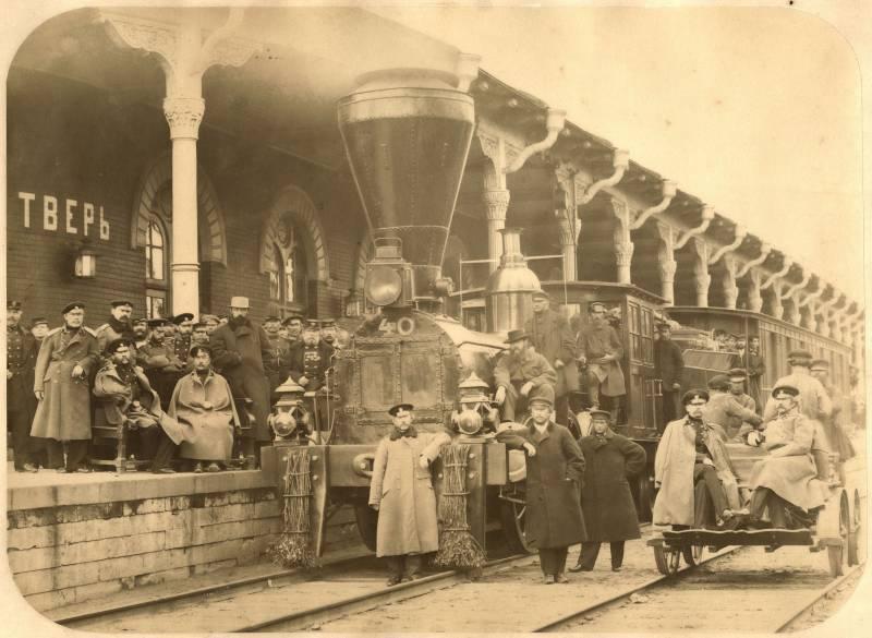6 августа в России отмечается День железнодорожных войск