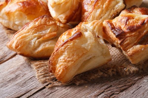 Такие пирожки подвластны даже неопытной хозяйке — пирожки с грибами и беконом по-итальянски