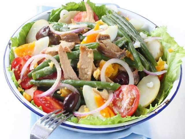 Диетический салат «Ницца» для позднего ужина!