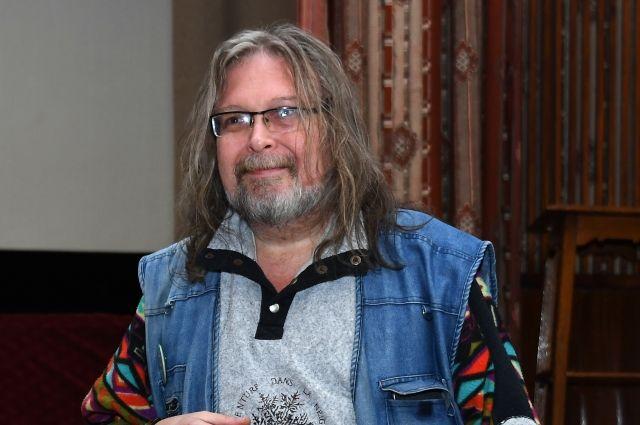 Поэт Виктор Куллэ назвал причину конфликта с коллегой Ждановым