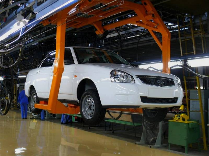 Иран будет закупать российские автомобили Lada