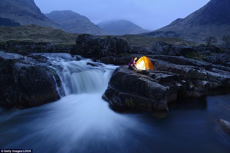 А на Северо-Шотландском нагорье вы насладитесь уединением и завораживающей красотой природы кемпинг, мир, опасность, отдых, палатка, путешествие, турист, экстрим