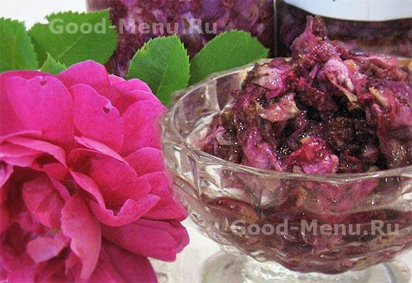 Чайная роза, перетертая с сахаром