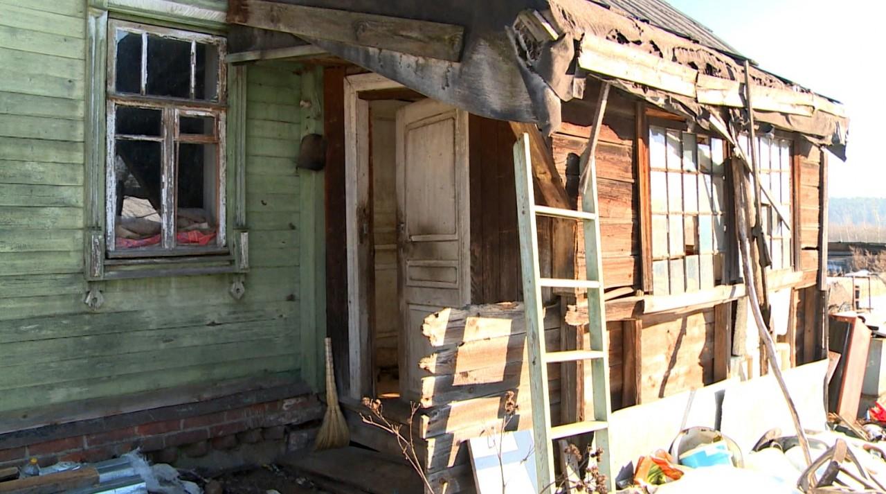 Полная нищета среди золота: пенсионерка с рублевки живет в халупе и голодает неделями
