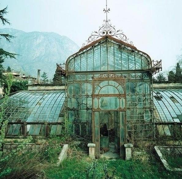 Оранжерея в викторианском стиле, Англия заброшенное, красиво, мир без людей, природа берет свое, фото, цивилизация