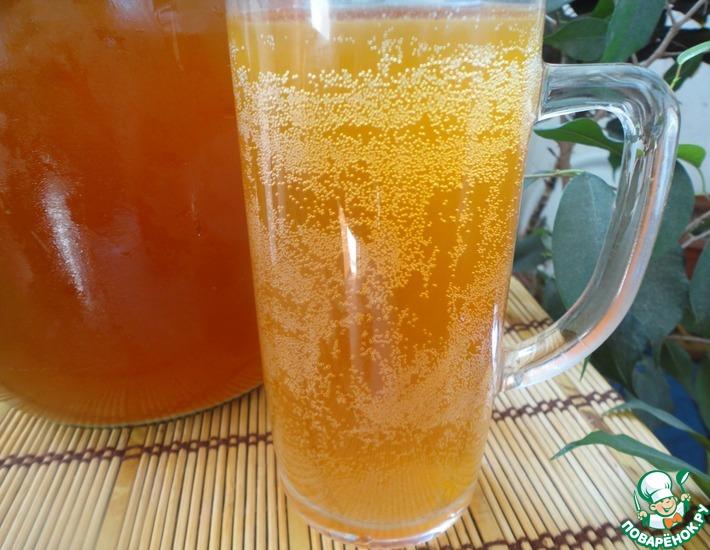 Безалкогольные напитки. Квас хлебный с медом и изюмом