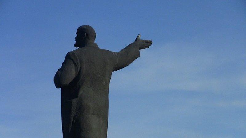 Лидер КПРФ оценил предложение похоронить тело Ленина