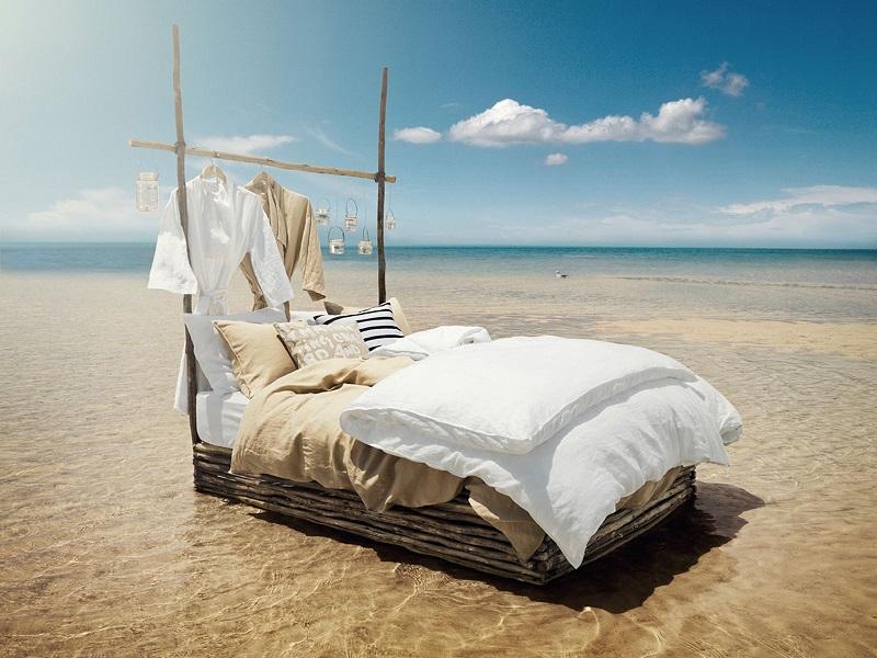 Как поставить кровать в доме
