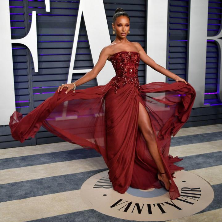 1-jasmine-tookes-2019-vanity-fair-oscar.jpg