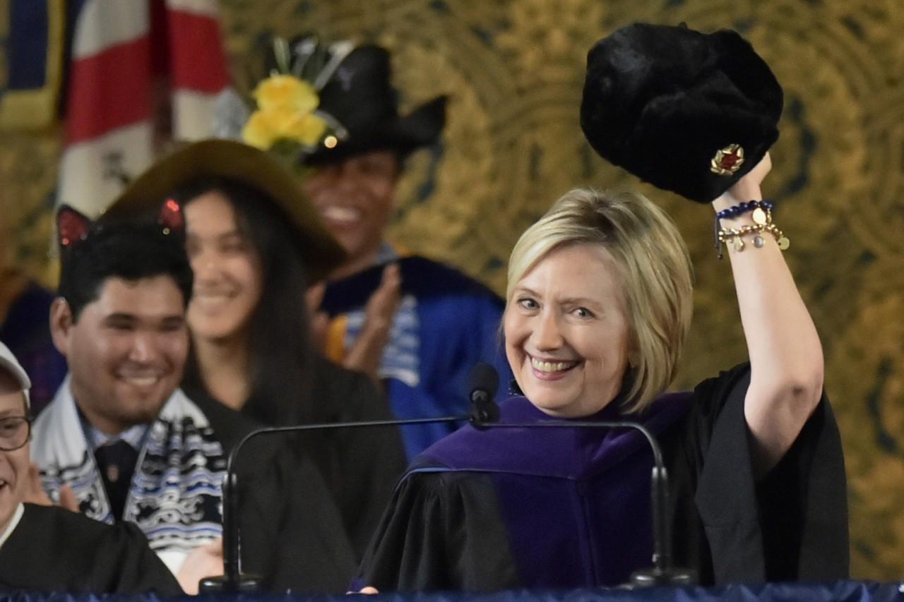 Хиллари Клинтон в ушанке пре…