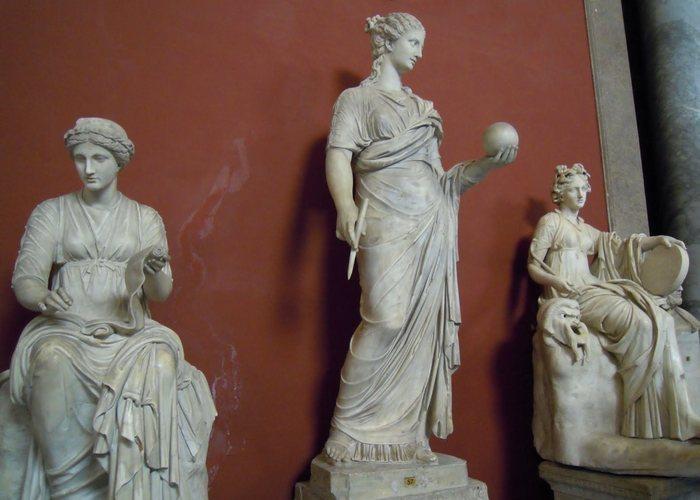 Музеи Ватикана: «Зал муз».