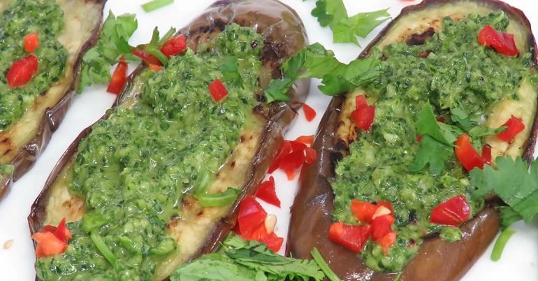 Жареные баклажаны с чесноком и зеленью: вкусные и ароматные