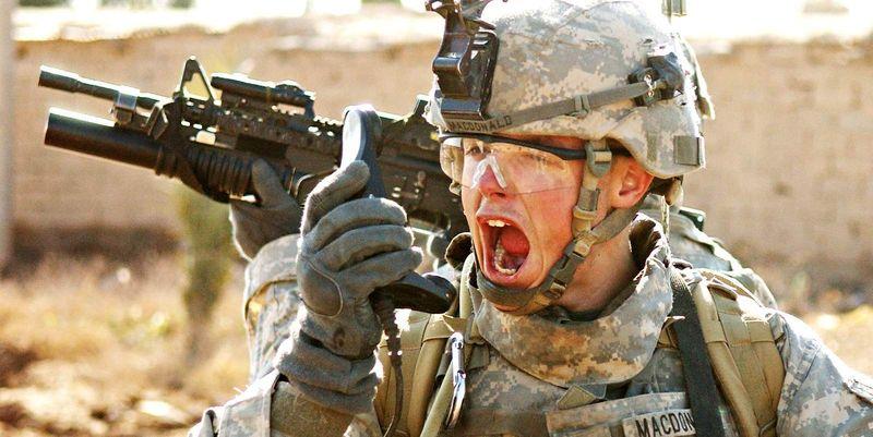 «Огонь в дыре!»: тупейшие ошибки перевода военных выражений