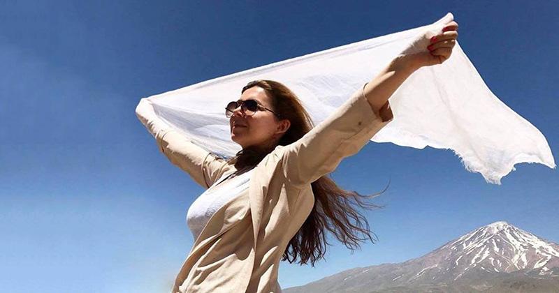 Сняла хиджаб — получи 20 лет! Иранская активистка осуждена за участие в акции протеста