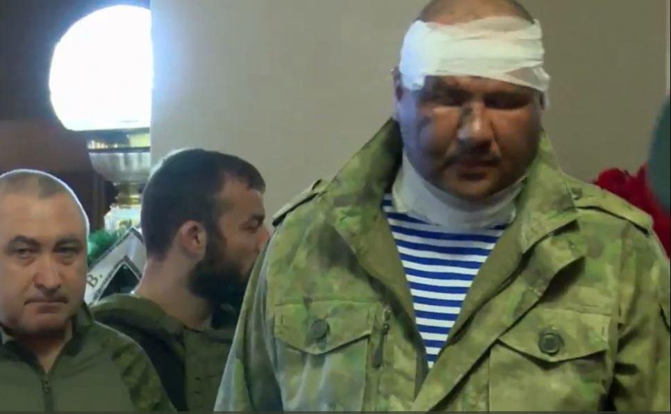 Выживший при убийстве Захарченко министр Тимофеев пришел на похороны в бинтах