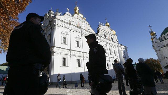 Страх перед Путиным заставил нацистов повременить с захватом Киево-Печерской Лавры