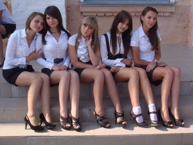 Этот клип от родителей из Тольятти поможет Вам вспомнить лучшие годы в школе...Ностальгия!