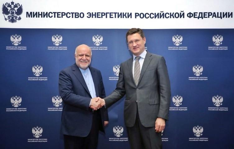 """Новак: Россия продолжит торговлю с Ираном в рамках сделки """"нефть в обмен на товары"""", санкции США против Ирана нелегитимны"""