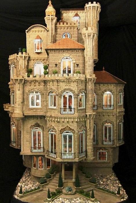 Кукольный замок Astolat.