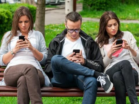 Зависимость от смартфона при…