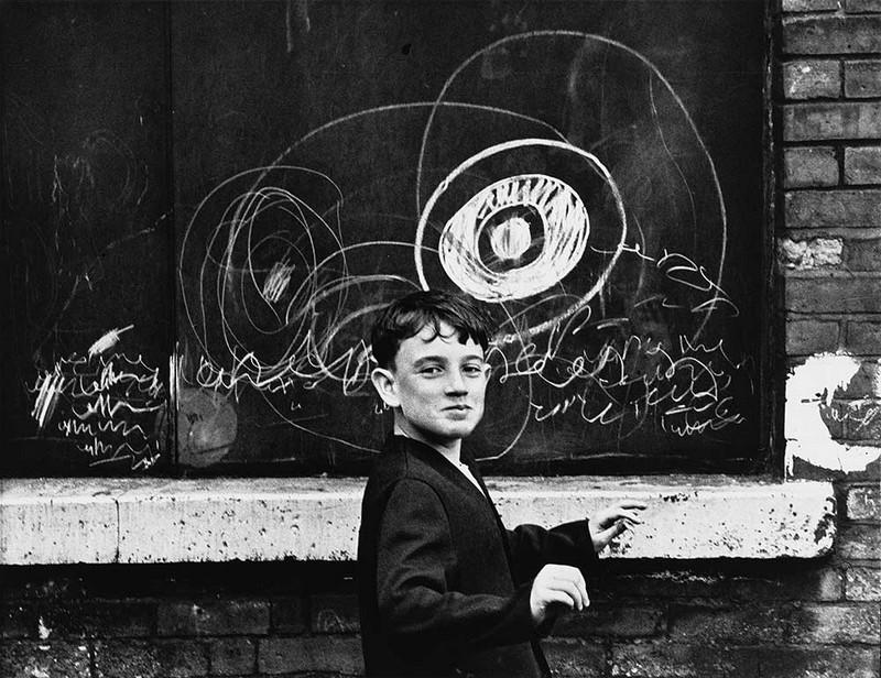 Обаяние трущоб Манчестера в фотографиях Ширли Бейкер 1960-х годов 20