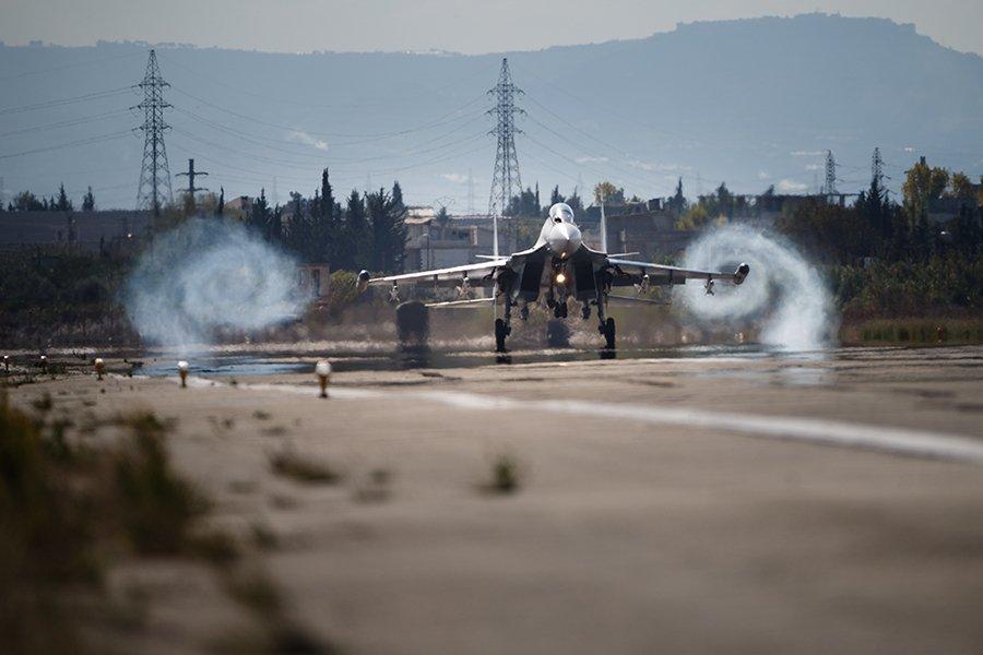 В Минобороны России прокомментировали инцидент с перехватом у границы самолета США