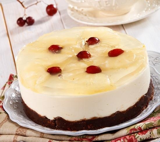 Ананасовый торт с вишнями/Фото: Олег Кулагин/BurdaMedia