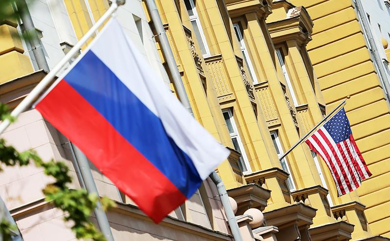 Банки, нефтянка, вертолеты: США решают, как еще ударить по России