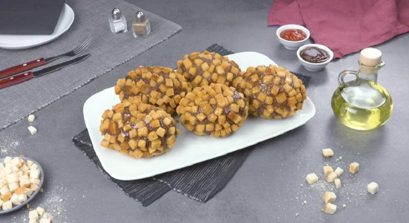 Сочные котлеты с картофельной начинкой:  плюс сыр и хрустящая корочка