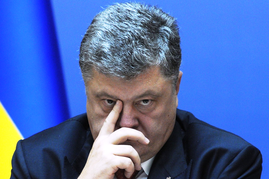 """Не везет  Порошенко с """"Рошеном"""" и прочим бизнесом. Пустят его активисты по миру"""