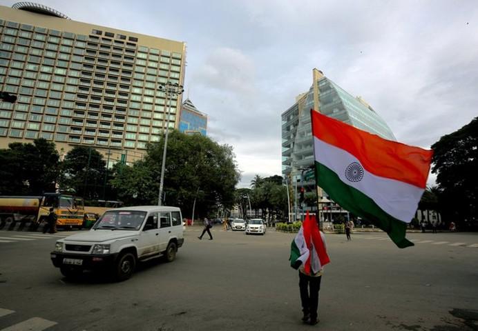 СМИ: Индия поддерживает контакты с США по возобновлению санкций против Ирана