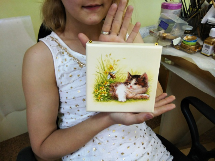 ШКАТУЛКА с ручной росписью котенка девочке