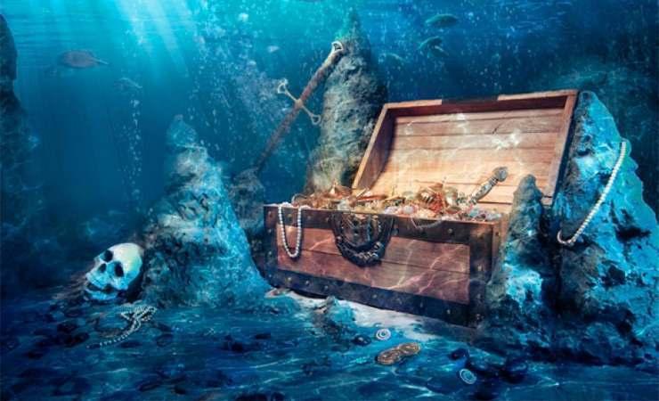 Возле Британии нашли затонувший корабль с сокровищами
