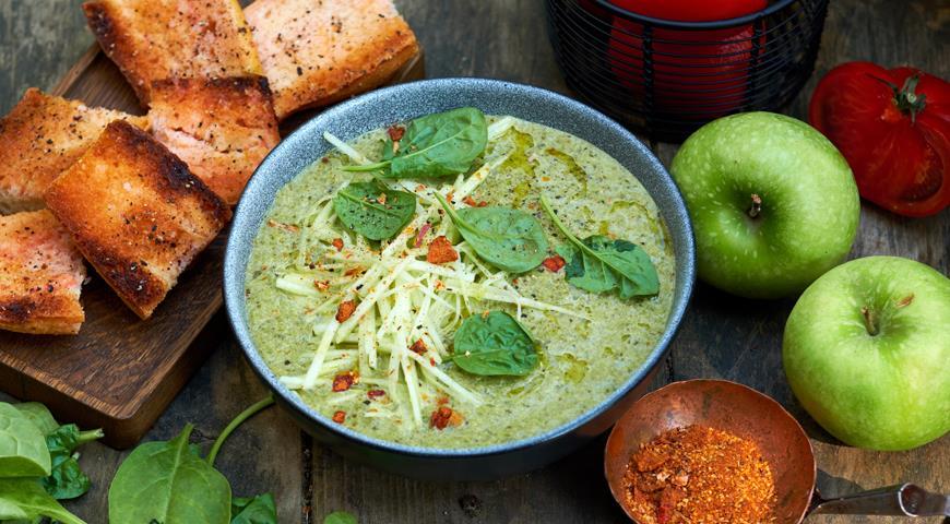 Смузи-суп из ботвы и яблок