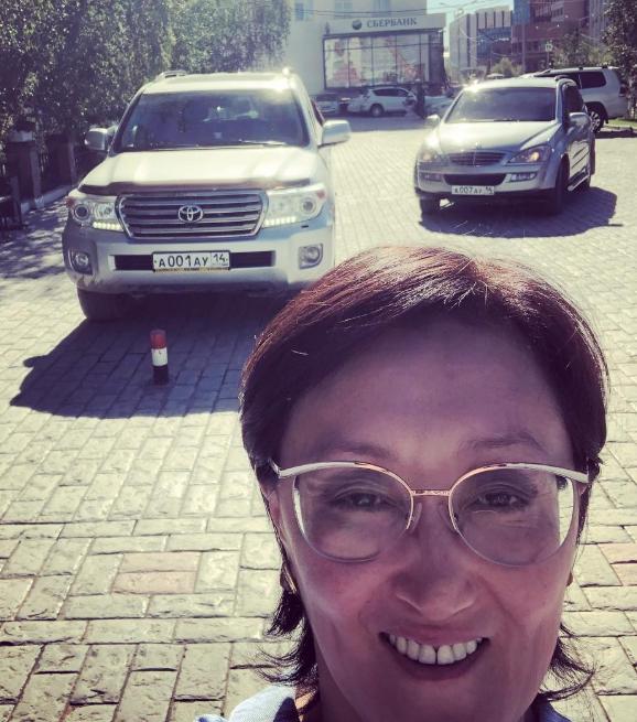 Новый мэр пересадила чиновников с «Крузаков» на УАЗы