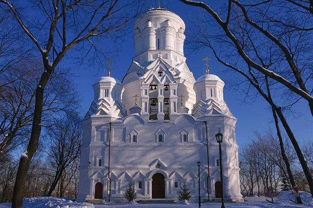Столичные тайны: 5 самых необычных храмов Москвы