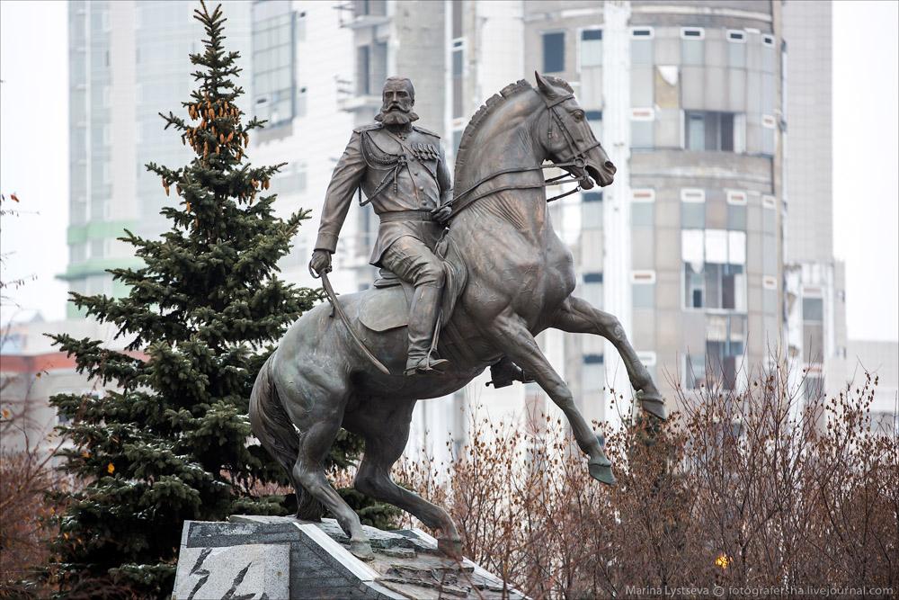 Памятник генералу Скобелеву открыли в Москве