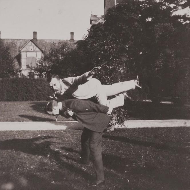 Ко Дню рождения : 9 самых идиотских фотографий Николая II