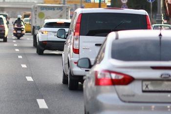 На Дмитровском шоссе в Москве машина насмерть сбила пешехода