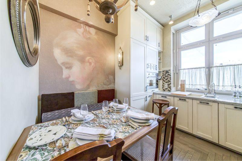 Маленькая 9-метровая кухня с П-образной планировкой