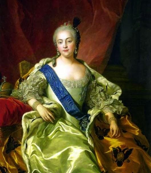 Елизаветa I: Императрица сама возложила на себя корону