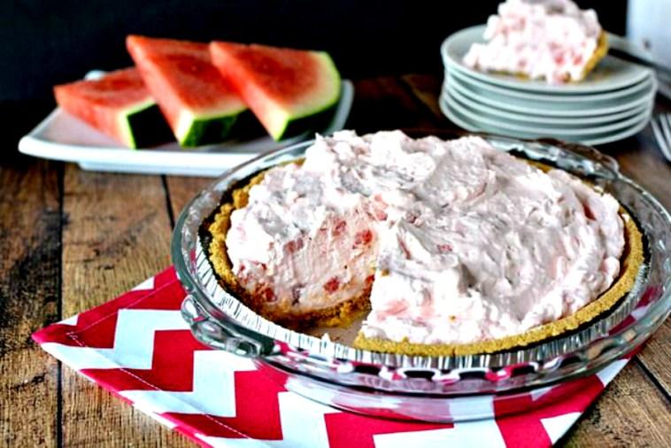 Летний десерт: пирог с арбузной начинкой без выпекания