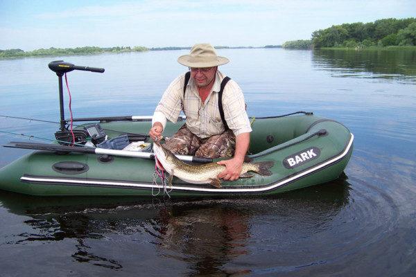 Ловля щуки с участием надувной лодки