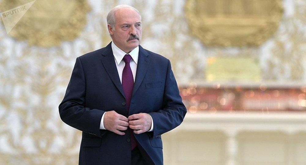 Лукашенко разогнал правительство